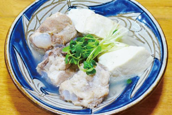 島豆腐と軟骨ソーキのマース煮